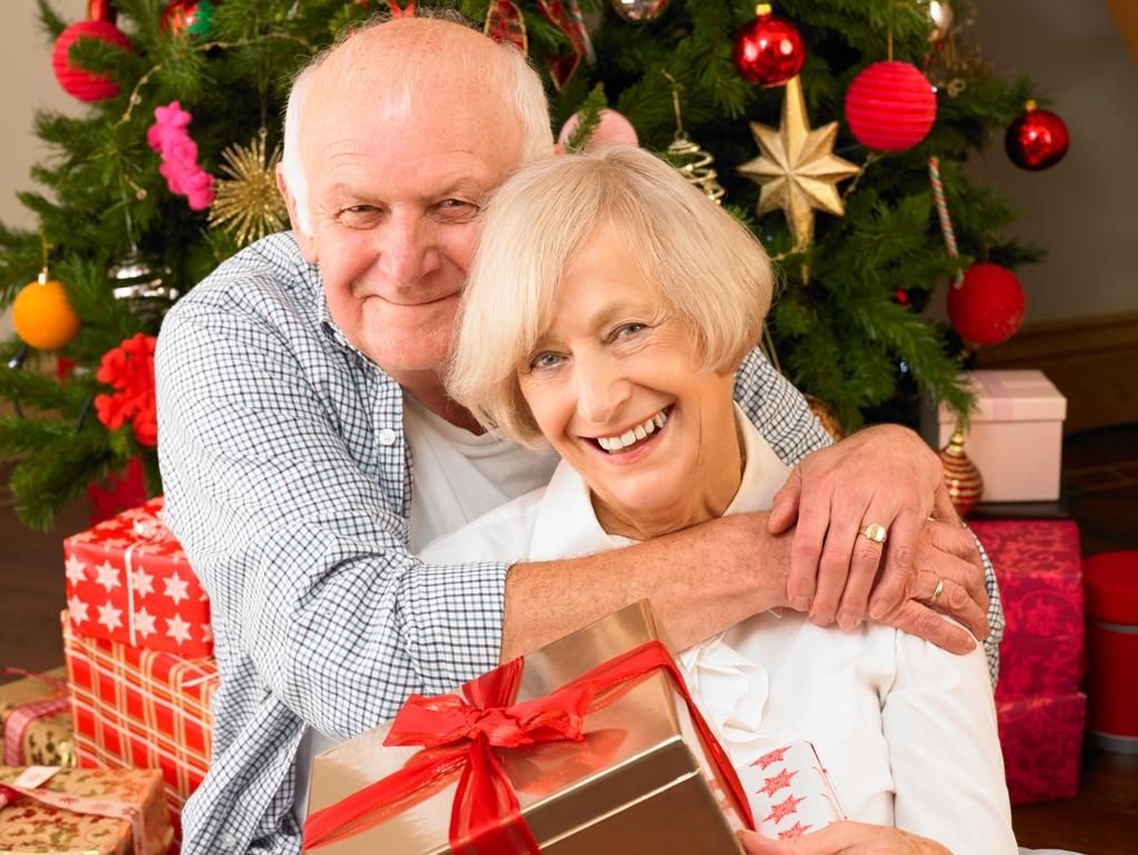 Поздравления с новым годом для пожилых людей