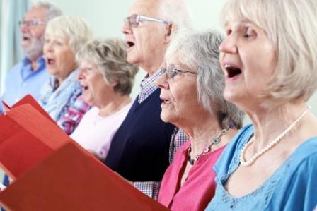 Пенсионеры из Текстильщиков споют народные песни и классические произведения/Fotobank